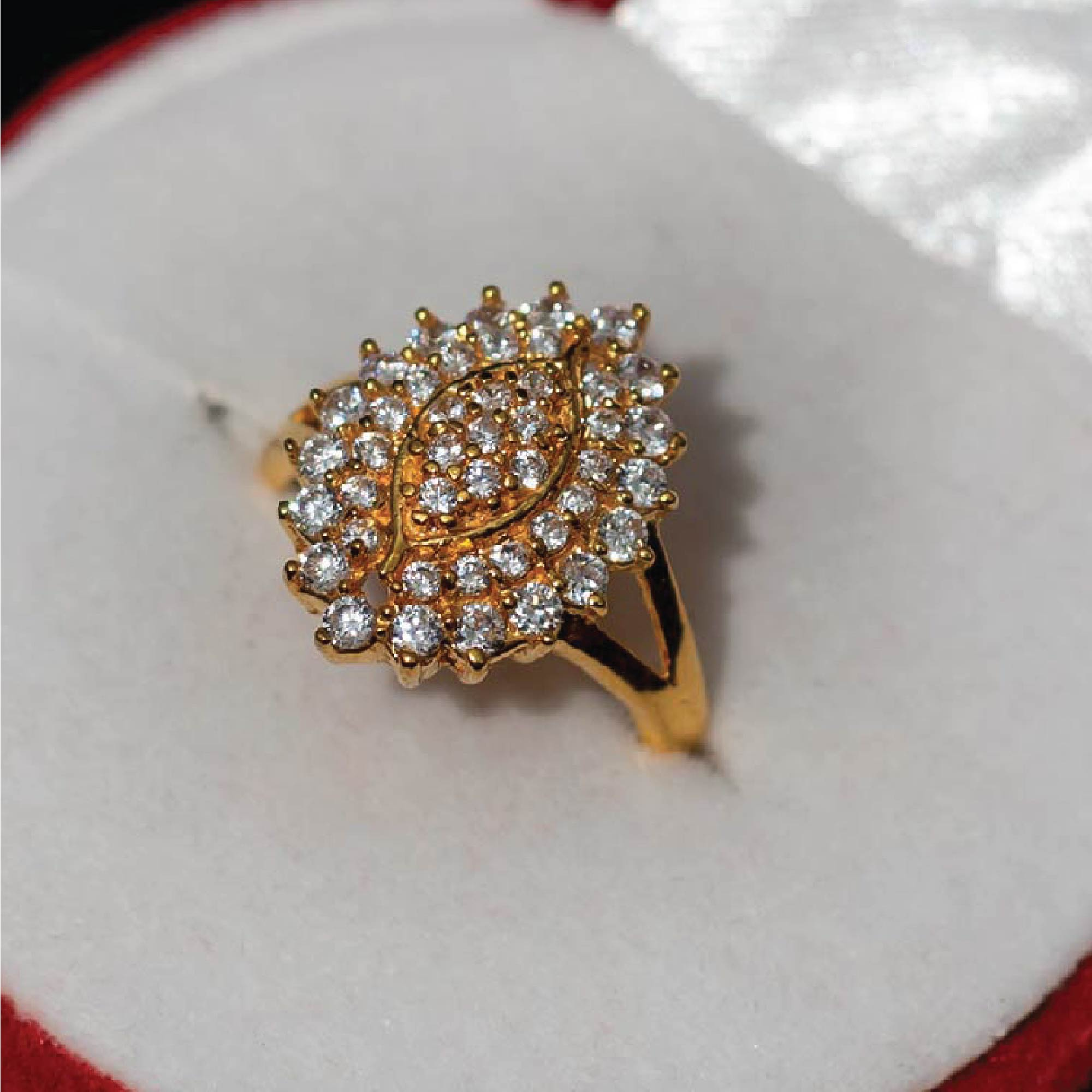 Traditional Ring with stones